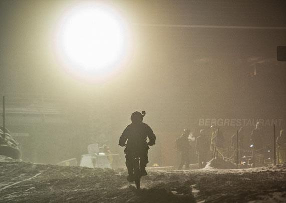 «Ride The Night» MTB-Rennen auf der Ski-Piste, Davos, SUI